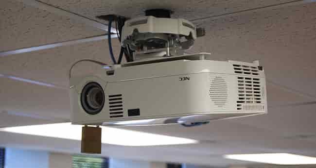 اتصال ویدئو پروژکتور به سقف